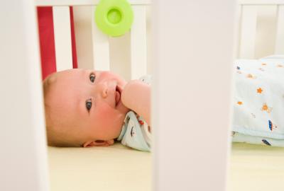 從小睡中醒來快樂:嬰兒的3條基本規則